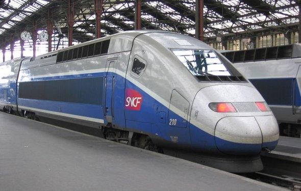 Как добраться из Ниццы в Париж на самолете, поезде, автобусе и