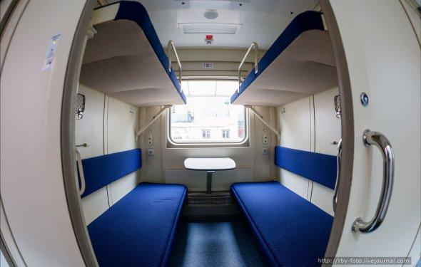 Новый 2-этажный поезд Москва-Адлер.: rby_foto