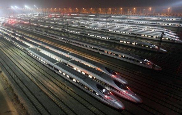 Открыта самая длинная скоростная железная дорога в мире (3 фото +