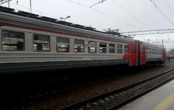 Вести.Ru: Из-за столкновения поездов электрички не доходят до