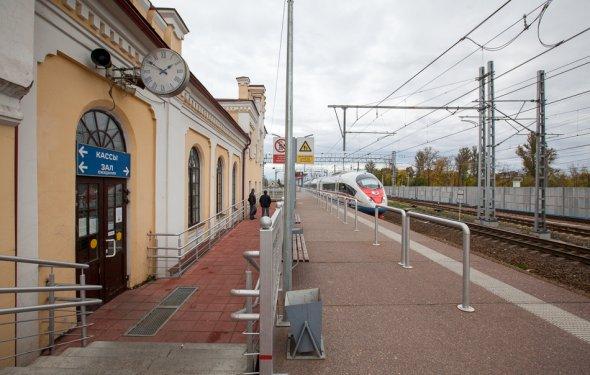 Железнодорожный вокзал в Чудово